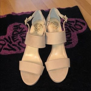 Vince Camuto sz8.5- NWT! Stacked heel